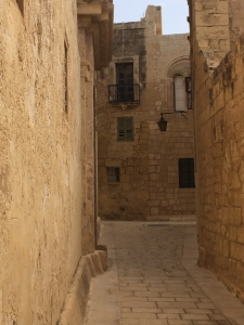 7mdina-street