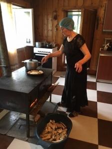 Dali cooking on the Svan stove